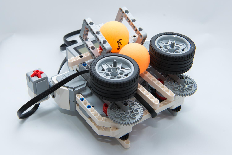 ピッチングロボット