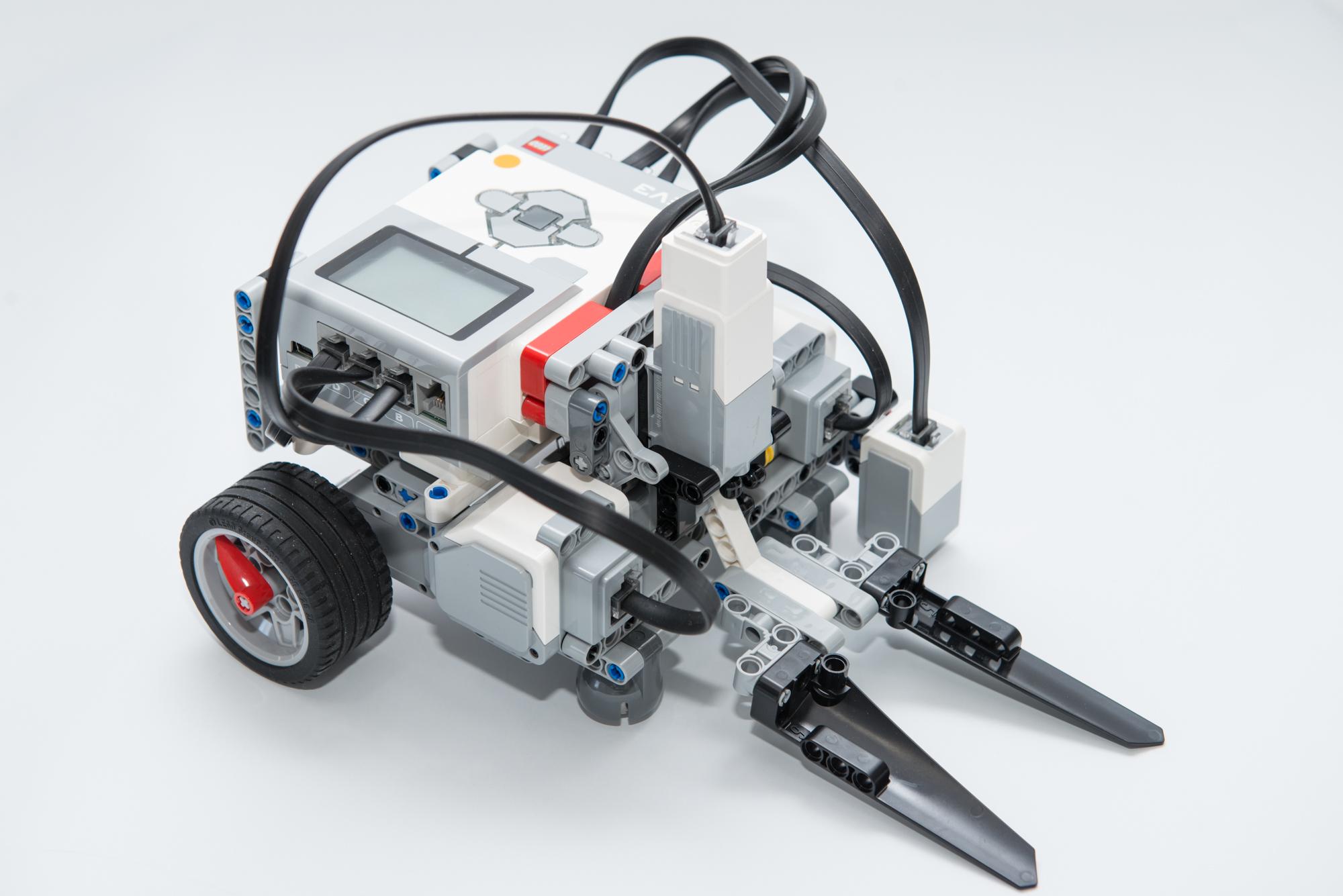 LEGO(EV3) WRO2017練習ロボットを作る